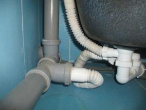 монтаж, установка канализационных труб