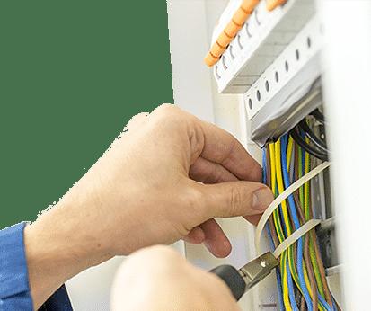 Прокладка провода в штробе, коробе или гофре цена